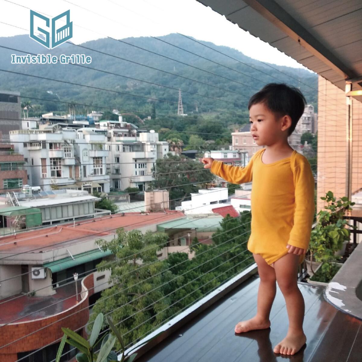 台北隱形鐵窗, 防墜